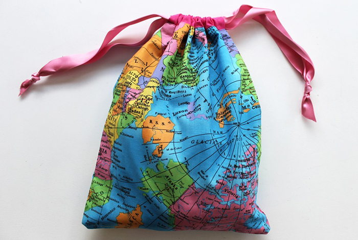 Drawstring bag in a vibrant map fabric - Sew Over It